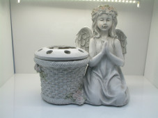 2134 - Kneeling Angel with Flower Pot